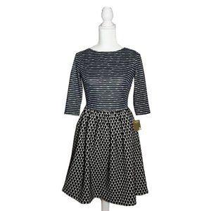 TAYLOR NWT Graphic Print Dress